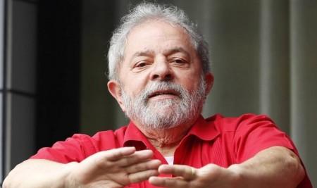 Lula decide assumir Casa Civil e passa a ter foro privilegiado.