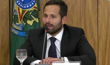 'Não compactuo com ilícito', diz Calero após demissão de Geddel